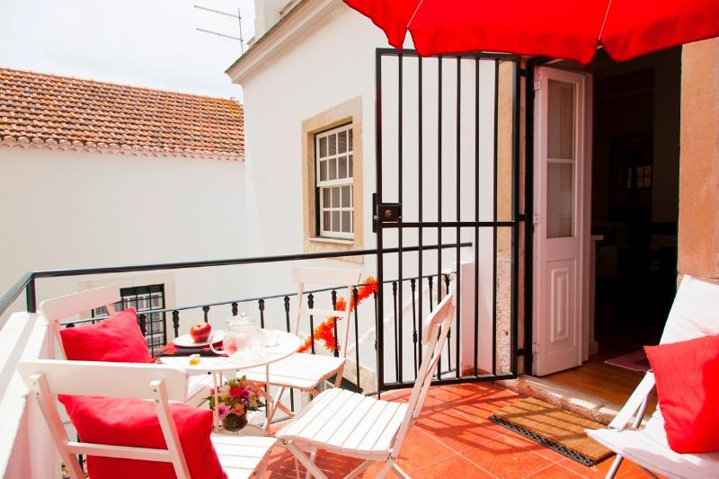 Alfama 2 suites and a big balcony - Image 1 - Lisbon - rentals