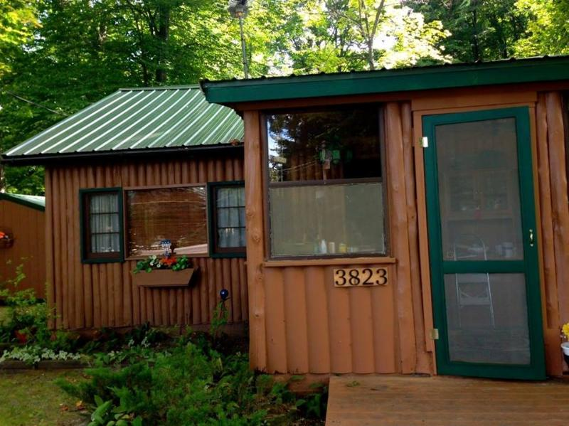 Welcome to our beautiful cabin! - Adorable Log Cabin on Duck Lake Peninsula - Grawn - rentals