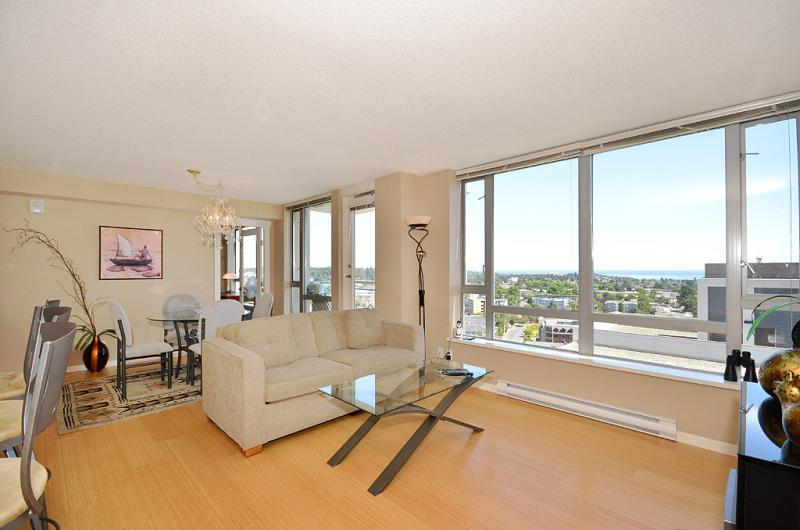 Living room with views - Downtown Victoria Upscale Ocean View Condo walk to Shopping and Dining - Victoria - rentals