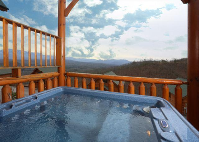 Nonstop View, Game Loft, Media Room, Sleeps 10, Free Entertainment Admissions - Image 1 - Sevierville - rentals