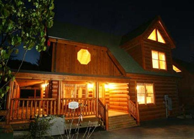 Cozy, Pet Friendly, Elliptical Machine, Gated Resort, Game Room, Sleeps 10 - Image 1 - Sevierville - rentals