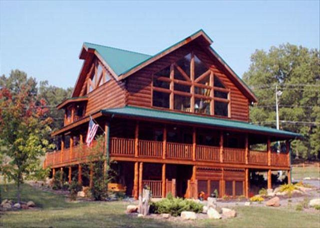 5,000 Sq. Ft. Interior, 1500 Sq. Ft. Covered Porches, Porch Swings, Sleeps 28 - Image 1 - Sevierville - rentals