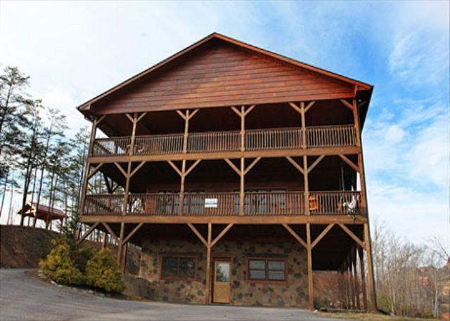 Fantastic View, Mtn Party, 4 Master Suites, Sauna, Two Hot Tubs, Bar, Theater - Image 1 - Sevierville - rentals