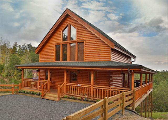 Stunning View, Romantic Retreat, Resort Zipline, Game Room, Resort Pool - Image 1 - Sevierville - rentals