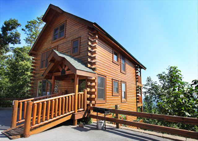 Cabin - Peaceful, Airy, Air Hockey, Resort Zip Line, Pool Table, Hot Tub, Breezy View - Pigeon Forge - rentals