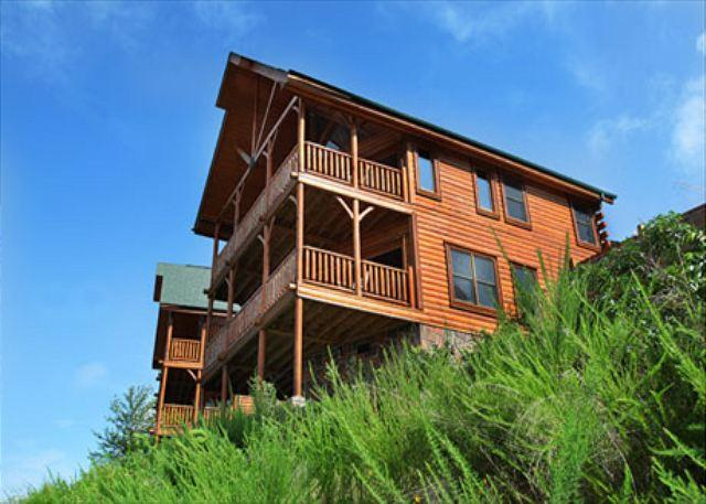 Cabin - Spacious Luxury, Breathtaking Views, Covered Decks, Resort Zipline, Dogs OK - Sevierville - rentals