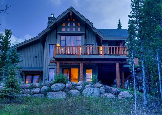 Fantastic 3BR+Loft/4BR Ski-In, Ski-Out Home in Moonlight Basin - Image 1 - Big Sky - rentals