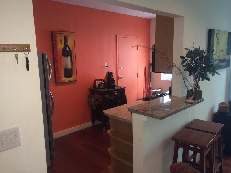 relax at the breakfast bar - Deco-charm NEW Deluxe 1 bed/1 bath South Beach - Miami Beach - rentals