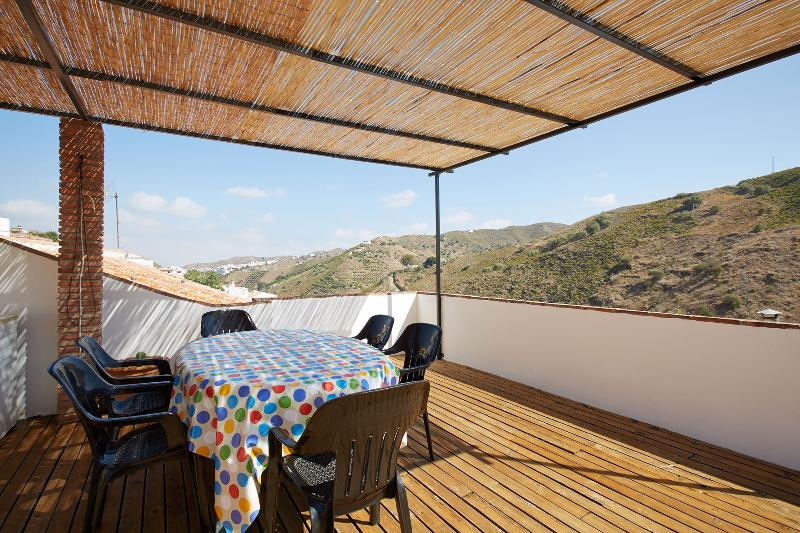 Rooftop Terrace with views to the village and mountains - Charming townhouse with roof terrace in Andalucia - Province of Malaga - rentals