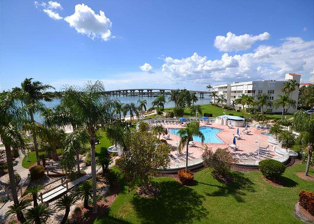 Bahia Vista 12-442 New kitchen, paint, TV's, king bed & Amazing Views! - Image 1 - Saint Petersburg - rentals