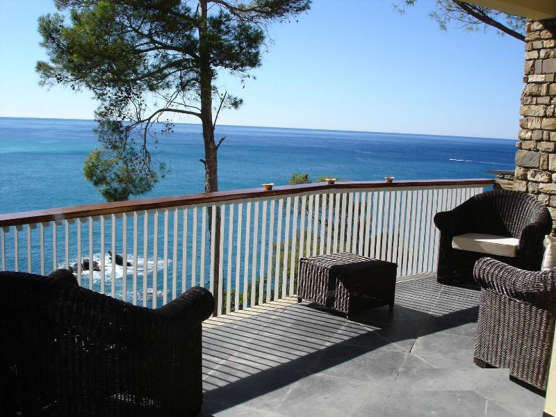 Terrace overlooking the sea - A paradise on the shores with direct access to the - Zoagli - rentals