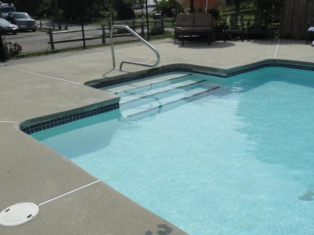 Breakwaters Association Heated Pool (Seasonal - Memorial Day to Labor Day) - Pool, Beach, Cape Cod, 432 Sea Street,Cottage #6A - Hyannis - rentals