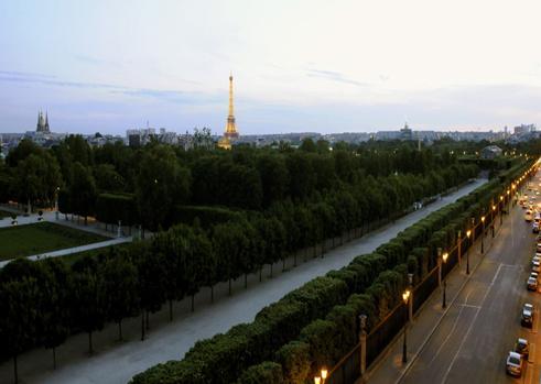 Elegant 3 Bedroom Apt Overlooking Tuileries Garden - Image 1 - Paris - rentals