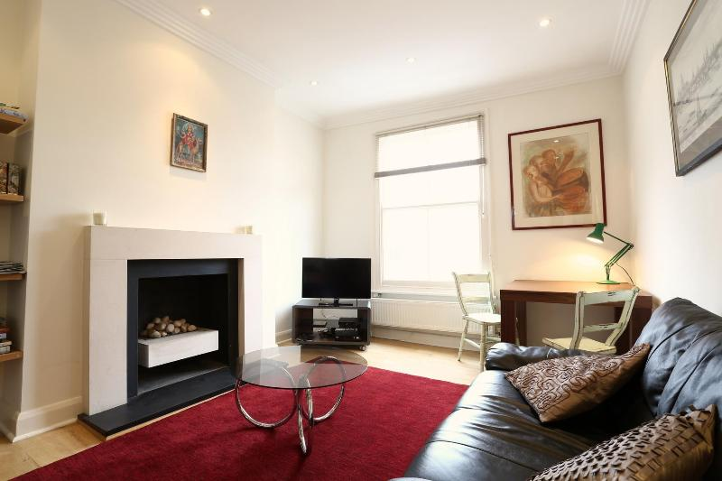 Portobello Road,  (IVY LETTINGS). Fully managed, free wi-fi, discounts available. - Image 1 - London - rentals