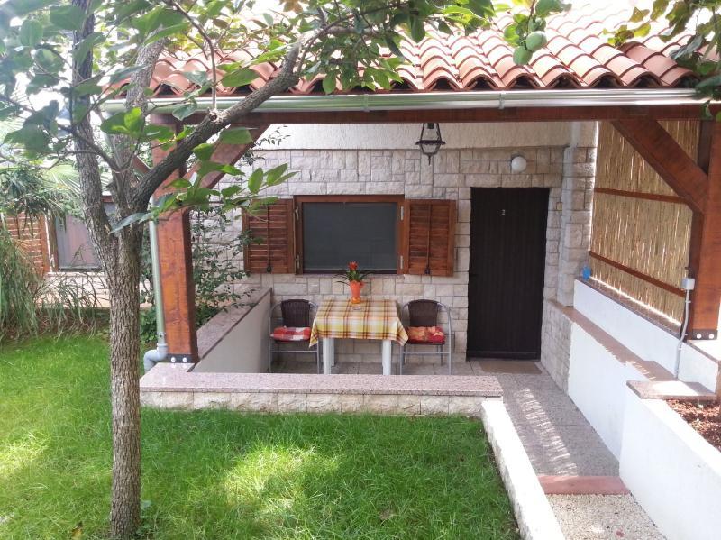 Apartmani Drenovica - A2 - Image 1 - Pula - rentals