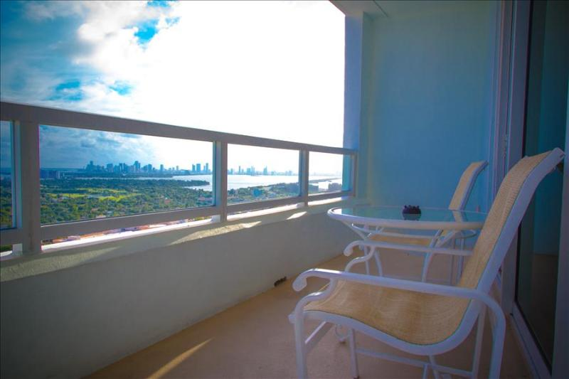 Fontainebleau One Bedroom (Tresor Tower) - Image 1 - Miami Beach - rentals