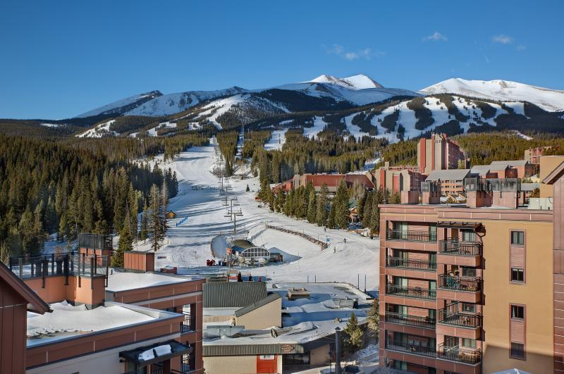 Choose Your Run on Peak Nine Breckenridge from Your 4th Floor Balcony - Gorgeous Ski In/Ski Out; Hot Tubs; Walk to Town - Breckenridge - rentals