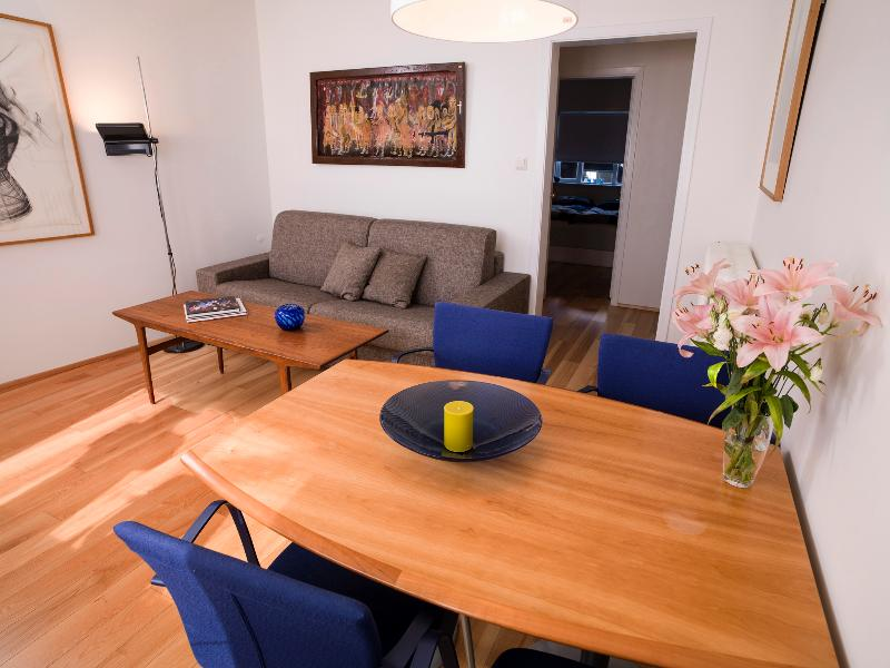Living area - Cozy Central Apartment - Reykjavik - rentals