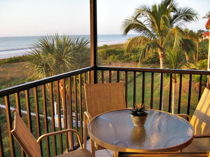 Corner Lanai on Gulf - Awesome Views! - A Luxury Direct Gulf Front Condo, Sandalfoot 5A3 - Sanibel Island - rentals