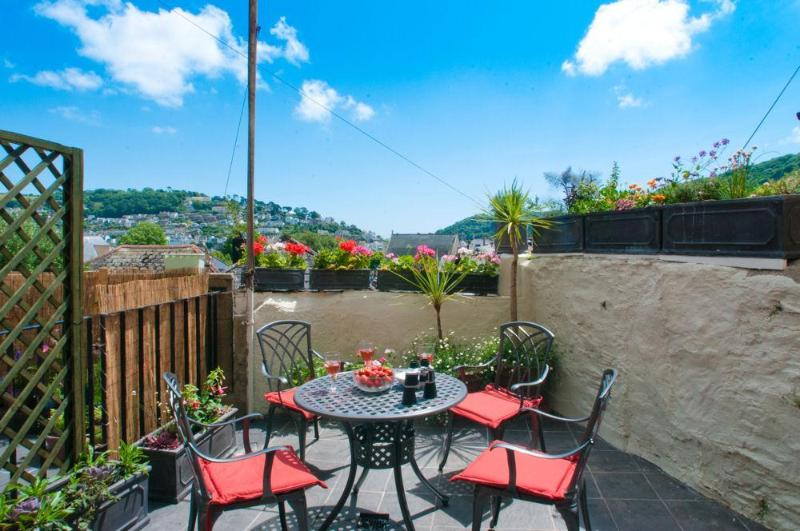 patio - The Cottage, 13 Clarence Hill - Dartmouth - rentals