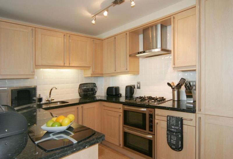 kitchen - 14 Combehaven - Salcombe - rentals