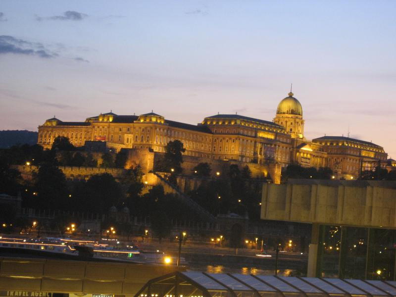 View by night from the Studio - Castle View Studio in the centre with WIFI - Budapest - rentals
