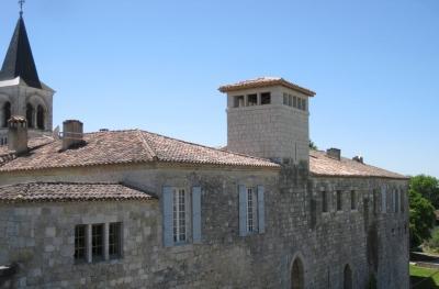 Les Remparts - Authentic Family Home in Gazaupouy - Image 1 - Castelnau-sur-l'Auvignon - rentals