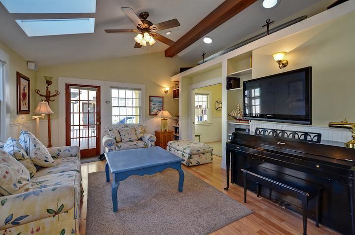 317 Riverview Avenue - 317 Riverview Avenue - Capitola - rentals