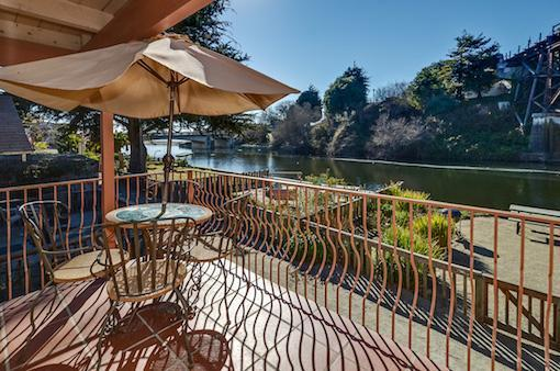 Balcony off of dining room - 327 B Riverview - Capitola - rentals
