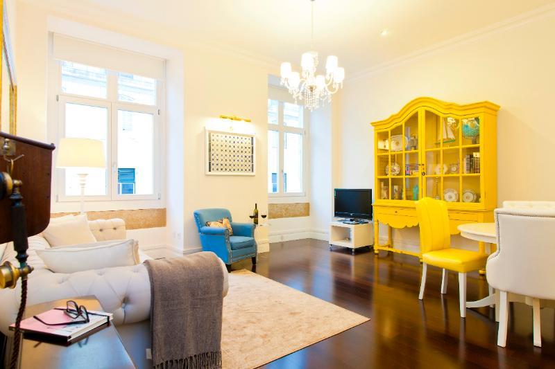 Baixa Deluxe 1bedroom&AC very central - Image 1 - Alvorge - rentals