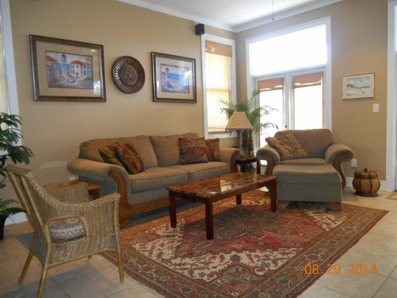 FAMILY ROOM - Family-friendly Gated Golf Community Private Beach - Gulf Shores - rentals