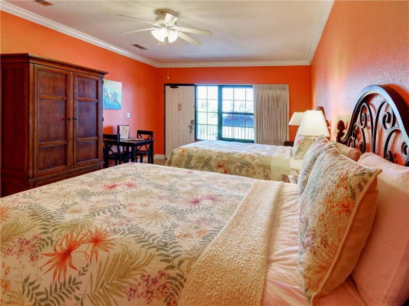 Beachside Inn - 2 Queen Beds - Image 1 - Destin - rentals