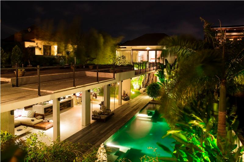 Villa and pool view - Ultra Modern Luxury 4Bed/ 4Bath, 5mins to Seminyak - Seminyak - rentals