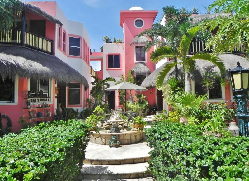 Casa Gatos - Boutique Villa Apts, stylish and unique, 1-3 bdrms - Akumal - rentals