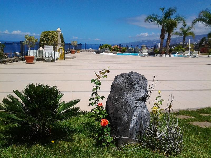 Preciosa vista del amplio solarium y del mar - Excellent apartment in high standing complex - Puerto de la Cruz - rentals