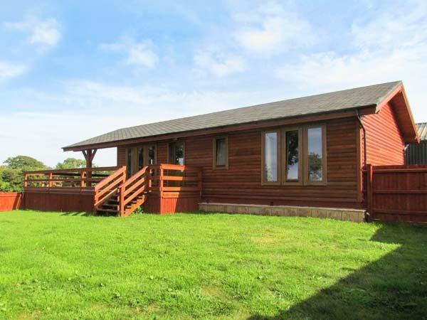LAKE VIEW LODGE, WiFi, en-suite facilities, on-sitge fishing, ground floor accommodation, near Shepton Mallet, Ref. 26049 - Image 1 - Chelynch - rentals