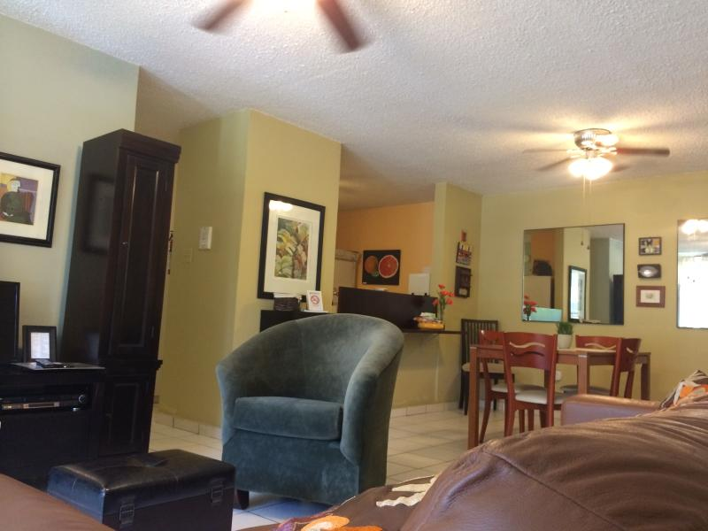 Open Floor Plan - Upscaled River Park Apartment at 6.9mi. from Beach - Bayamon - rentals