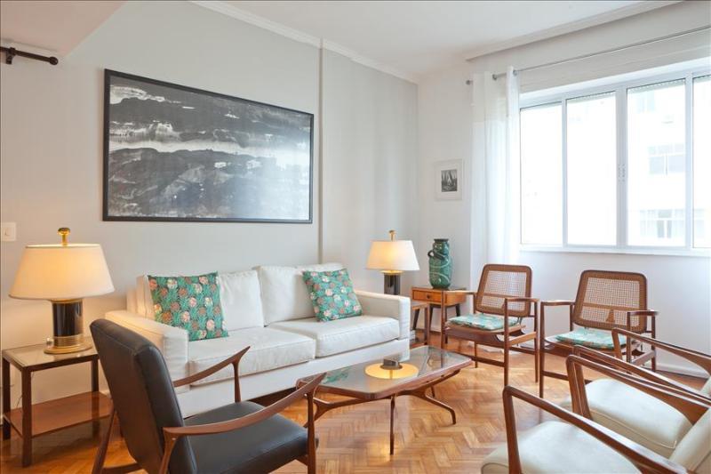 Spacious 2 Bedroom Apartment in Arpoador - Image 1 - Rio de Janeiro - rentals