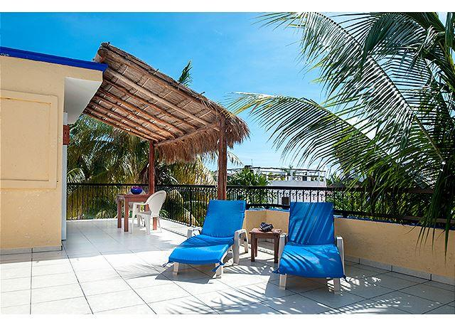 Large, airy, comfortable 1 bdrm apt with partial ocean view - Image 1 - Puerto Morelos - rentals