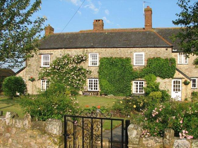 View towards the Grade 2 listed farmhouse - WONOV - Musbury - rentals