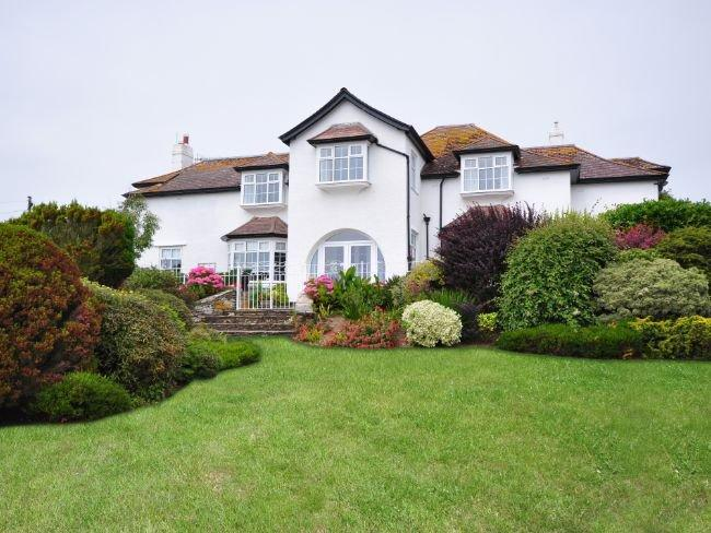 View of the property and garden - WARRN - Thurlestone - rentals