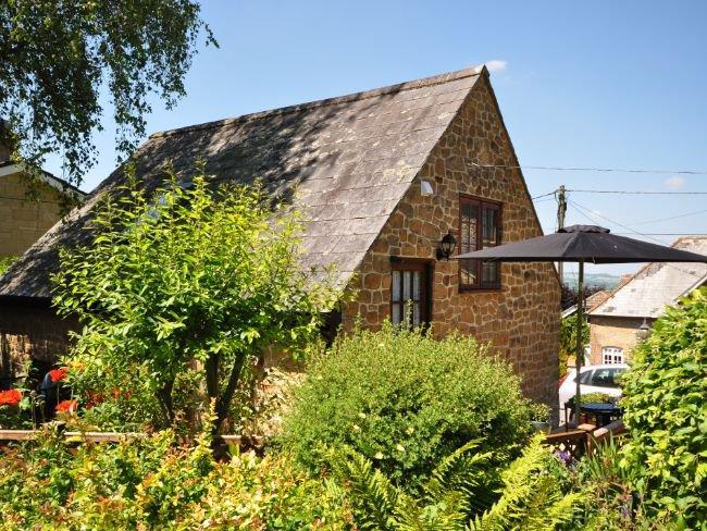 Looking towards the property - THEGA - Chedington - rentals