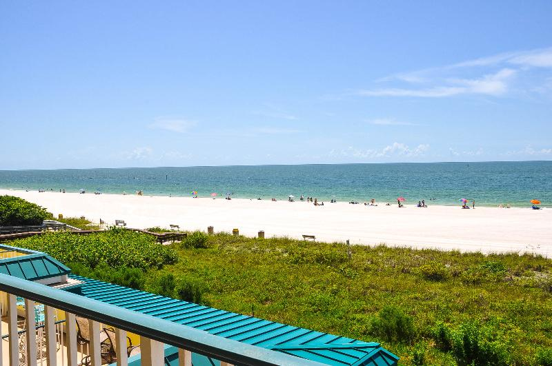 Apollo 309 - Great Location Beachfront Condo! - Image 1 - Marco Island - rentals