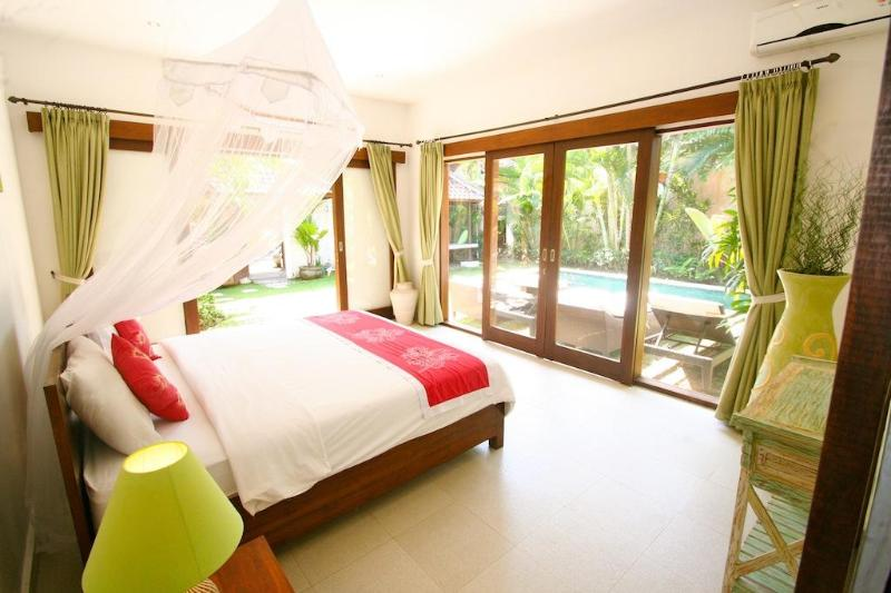 Bedroom - Villa Bunga 2 at the Beach with Welcome Breakfast - Seminyak - rentals