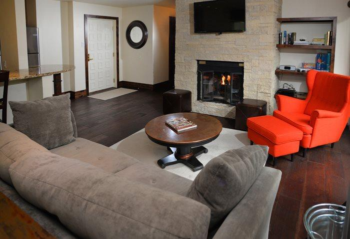 Open living room with cozy and warm gas fireplace - Perfect for the price conscious traveler looking for a private, welcoming Vail condo rental in a convenient, Vail Village location. - Vail - rentals