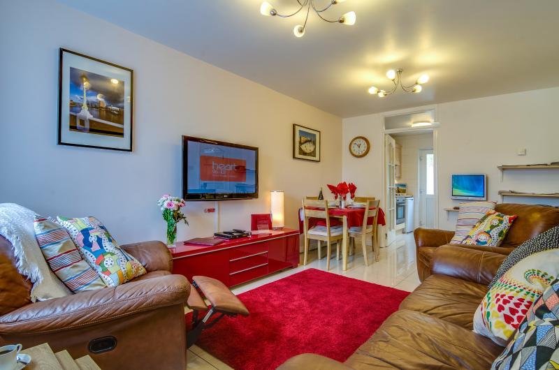 Belfast Self Catering Apartment 4 star 2 bedroom - Image 1 - Belfast - rentals