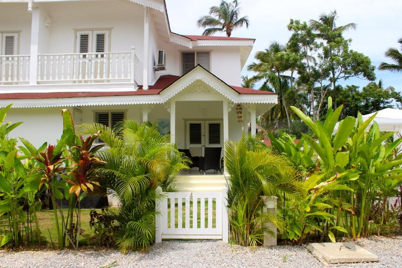 Front of the house - New Villa, 2 Bdrs AC, Pool, 300m to best  Beach - Las Terrenas - rentals