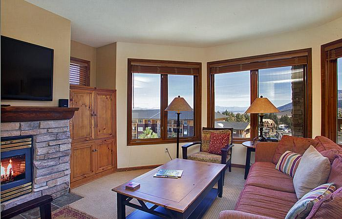 Eagle Run #103 Living Area With Fantastic Views and A Gas Fireplace - Eagle Run 103 - Ski in Ski out Mammoth Townhome - Mammoth Lakes - rentals