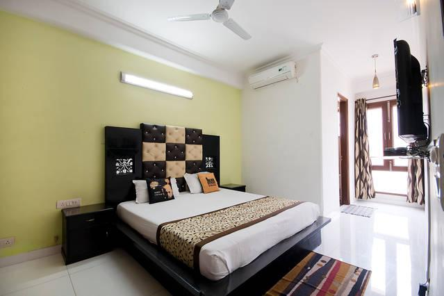1 Bed Serviced Apartment in Green Park - Image 1 - New Delhi - rentals