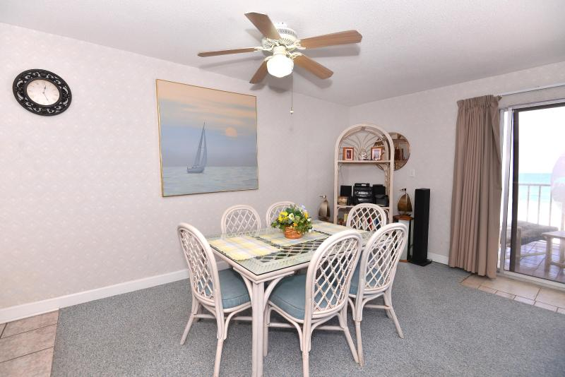 Dining Room - DIRECT GULF FRONT BEACH PARADISE ! - Indian Shores - rentals